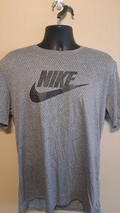 CLEARANCE NWOT Mens Nike Gray Tee Sz: L
